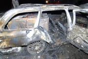Ausgebrannter BMW mit Tresor auf dem Rücksitz